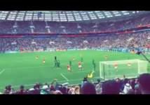 بالفيديو- رد فعل طريف من الجماهير السعودية بعد هدف روسيا الخامس
