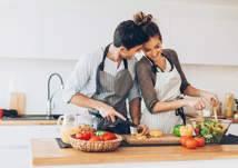 أطعمة تزيد القدرة الجنسية.. مفاجأة عن الجمبري والاستاكوزا والكابوريا وزيت الكافور والخروع! (فيديو)