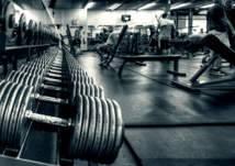 أخطر 3 أشياء يفعلها من يمارسون رياضة رفع الأوزان (فيديو)