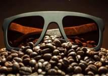 جديد الموضة: نظارة شمسية برائحة القهوة الساخنة