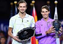 الروسي مدفيديف يعزز موقعه في تصنيف محترفي التنس