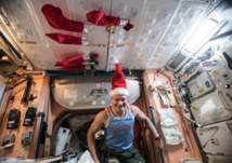 """كيف احتفل رواد الفضاء بـ""""الكريسماس""""؟ (صور)"""