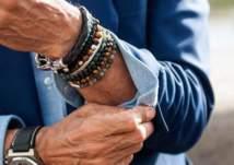 للرجل العصري .. ارتداء الأساور يكمِل أناقتك!