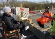 عجوزان يعيشان الحب عند حدود الدنمارك وألمانيا