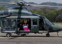 """شاهد.. إحياء قداس """"أحد الشعانين"""" من هليكوبتر"""
