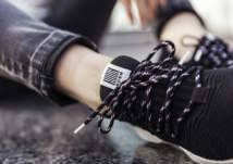 جديد الموضة: حذاء رياضي من الزجاجات البلاستيكية لكلا الجنسين