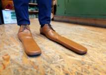 ابتكار أحذية مناسبة لفكرة التباعد الاجتماعي