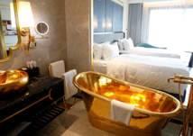 بالصور: فندق مطلي بالذهب والإقامة بـ 250 دولاراً فقط!