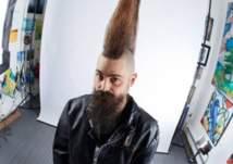 شاهد: صاحب أطول تصفيفة شعر في العالم