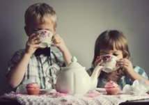 """انتبه.. """"الشاي"""" يهدد صحة طفلك"""