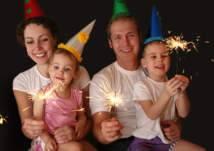 ألعاب مسلية لقضاء سهرة رأس السنة مع العائلة في المنزل