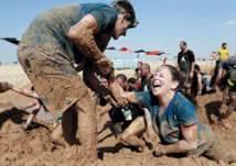 """""""تحدي الطين"""" فعالية ممتعة تطوف الإمارات"""