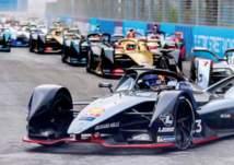 """بـ 48 ثانية.. """"شاهد"""" عملية انقاذ في سباق فورمولا إي الدرعية"""