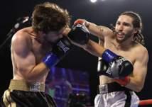 بالضربة القاضية.. حفيد محمد علي يدخل بوابة الملاكمين المحترفين (فيديو)