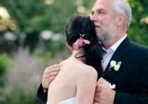 كيف يتعامل الآباء مع مشاعر فراق بناتهم في ليلة الزفاف؟