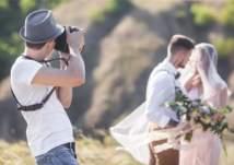 مصور يحذف صور العرسان ويغادر الحفل لسبب غير متوقع!