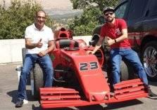 شاهد.. أول سيارة فورمولا 1 لبنانية الصنع