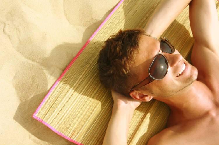 هكذا تحمي بشرتك من الشمس الحارقة