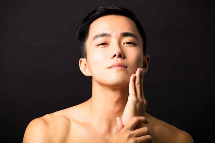 خلطات طبيعية لعلاج الكلف والتصبغات الجلدية