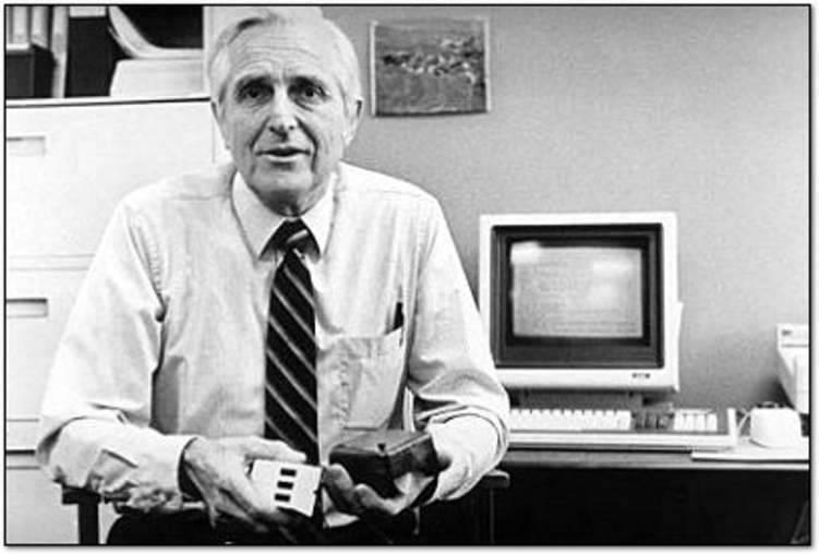 هل تعرف من هو مخترع الكمبيوتر الحقيقي؟