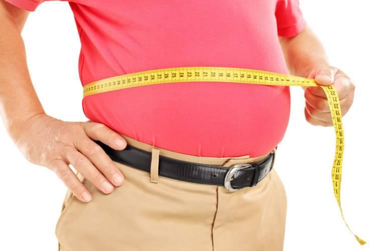 4 عادات مسائية تكسبك الوزن من دون أن تدري
