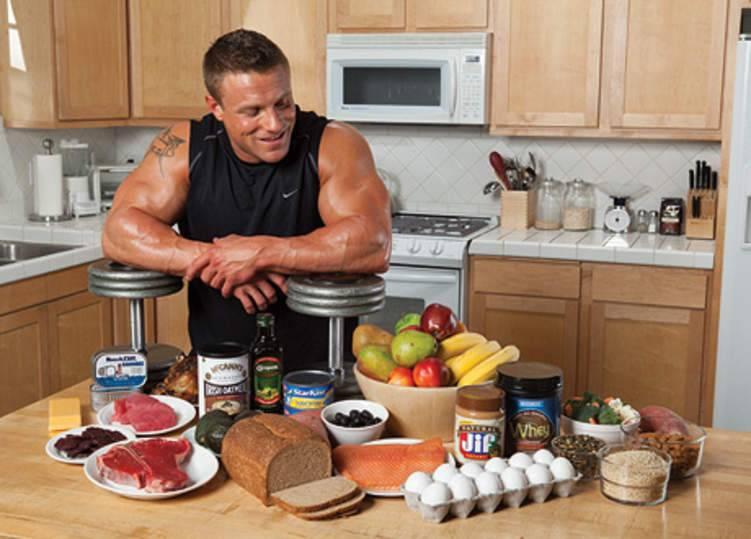 ٧ مأكولات أساسية لكمال الأجسام