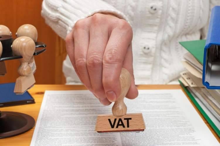 الإمارات: لا نية لزيادة الضرائب خلال 5 سنوات