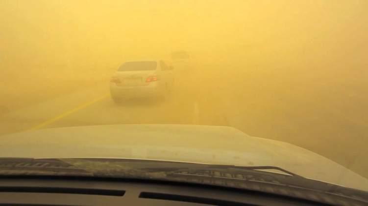 4 نصائح من إدارة المرور السعودية لقائدي السيارات في أوقات العواصف الرملية