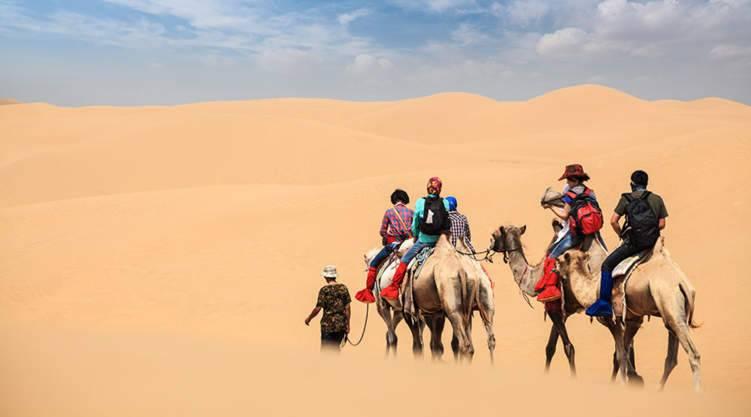 """في الإمارات.. """" درون"""" يوفر خدمات الإتصالات في الصحراء"""