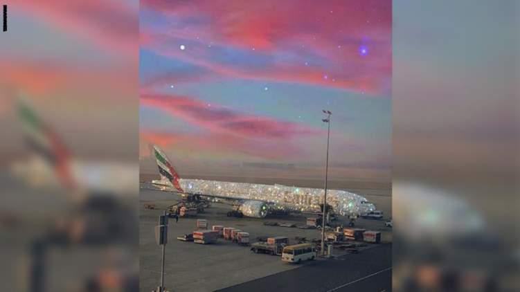 ما حقيقة الطائرة الإماراتية المرصعّة بالألماس؟