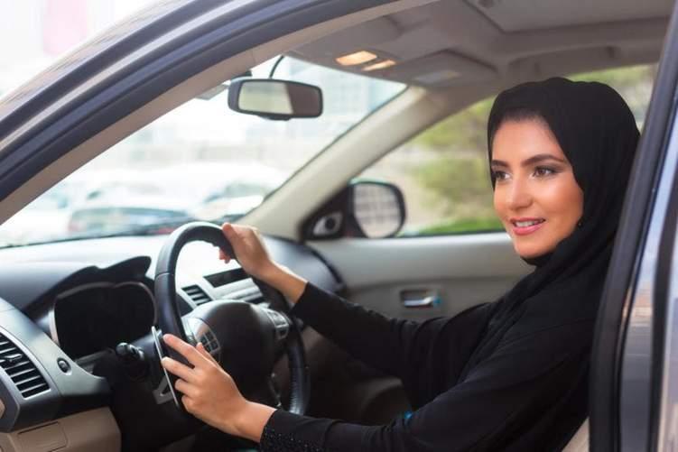 كم رخصة أصدرها المرور السعودي للنساء منذ تفعيل أمر السماح للمرأة بقيادة السيارة؟