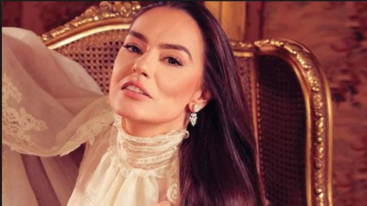 """""""شريهان"""" على المسرح السعودي.. بعد غياب يزيد عن 30 عاماً"""