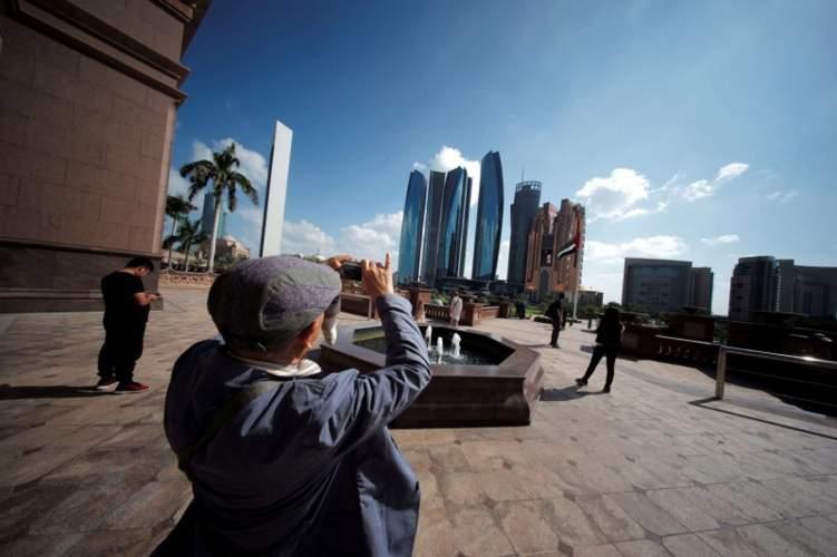 تخفيض رسوم السياحة في أبوظبي
