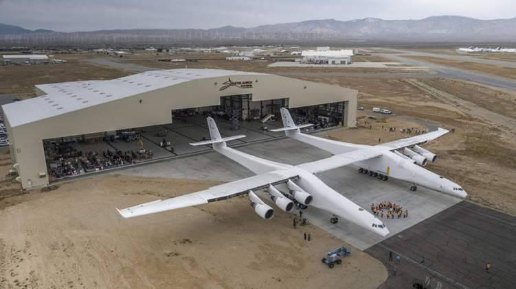 تعرف على أكبر طائرة في العالم.. اجتازت أولى رحلاتها بنجاح