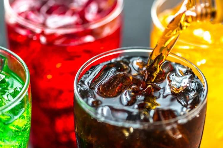 السعودية: تطبيق الضريبة الانتقائية على المشروبات المحلاة بداية ديسمبر