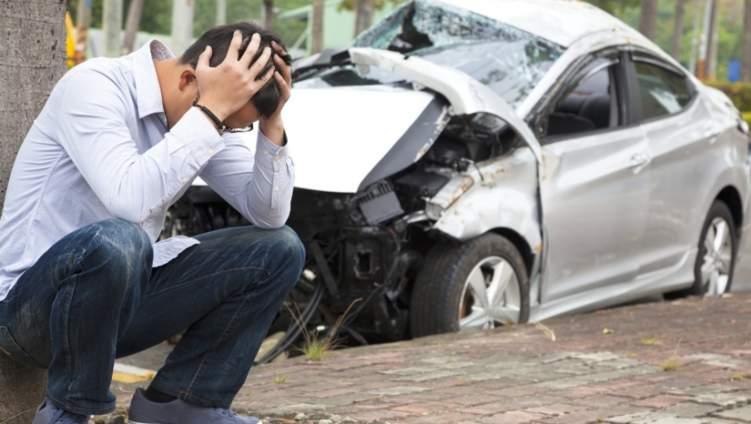 5 خطوات للتصرف بعد التعرض لحادث سيارة في الإمارات