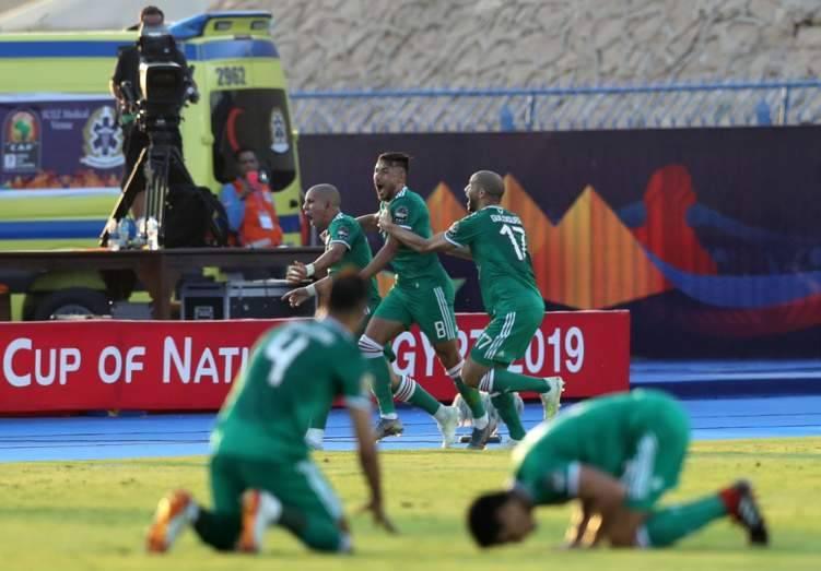 بالفيديو.. الجزائر في نصف نهائي أمم إفريقيا بعد مباراة درامية