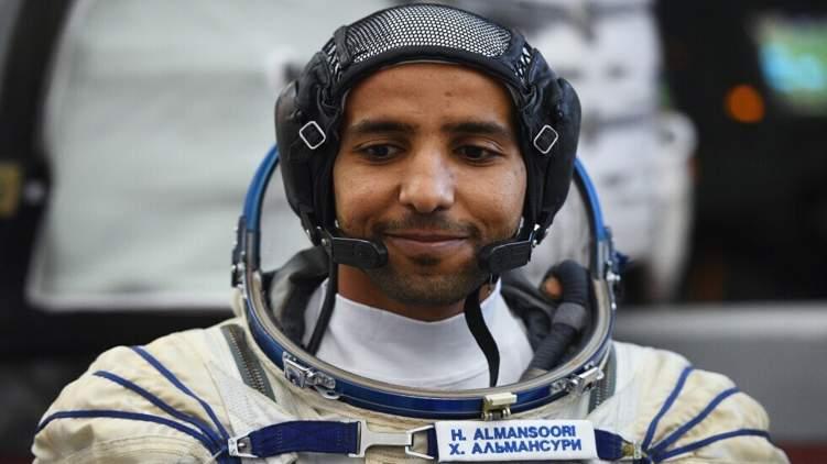 ماذا سيأخذ رائد الفضاء الإماراتي في رحلته إلى الفضاء؟