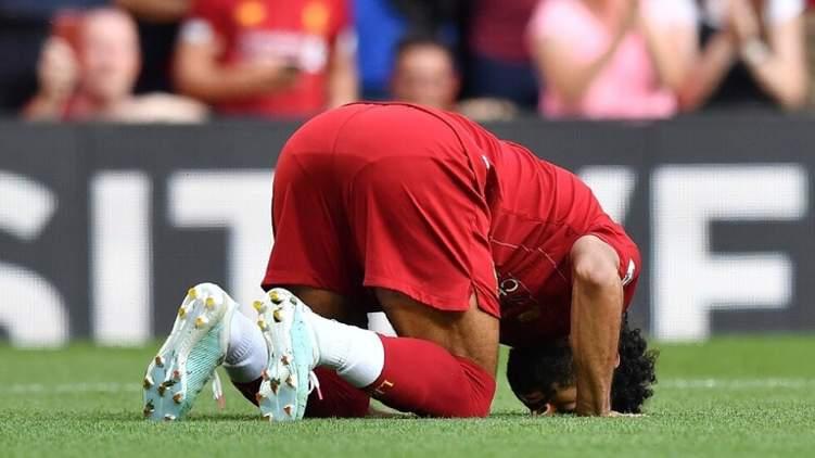 شاب إنجليزي يعتنق الإسلام بسبب صلاح