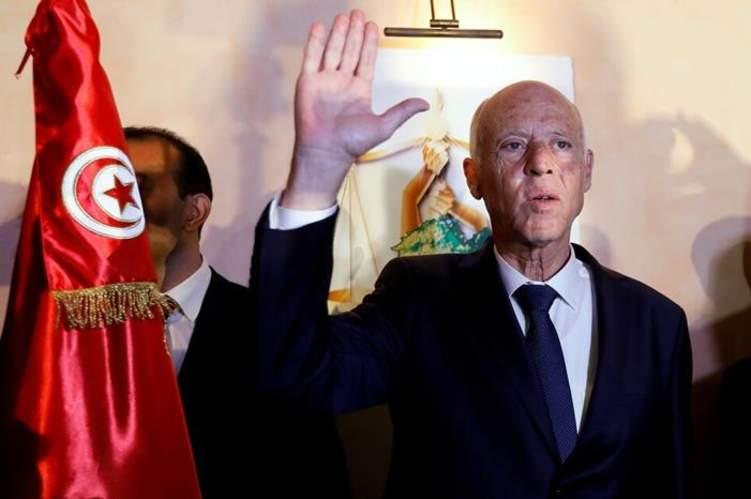 شاهد أول ظهور للرئيس التونسي الجديد .. صور