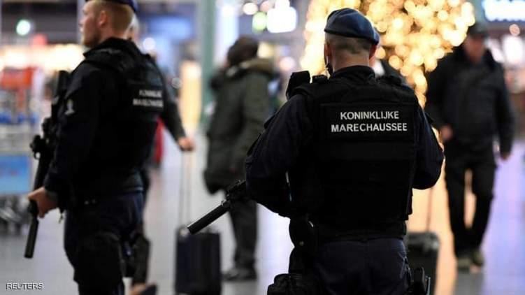 """واقعة """"مريبة"""" .. في مطار هولندي وشركة الطيران تعتذر!"""