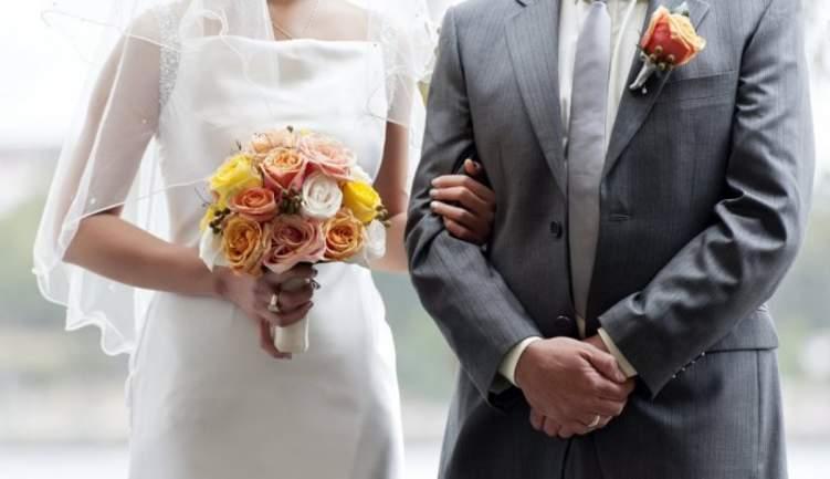 العلاقات المثالية سبب في تأخر سن الزواج!
