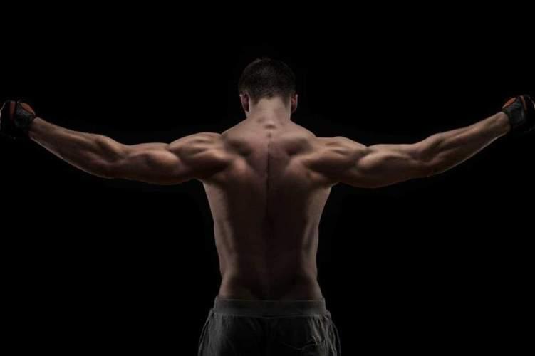 للحصول على عضلات ظهر مثالية .. إليك الحل!