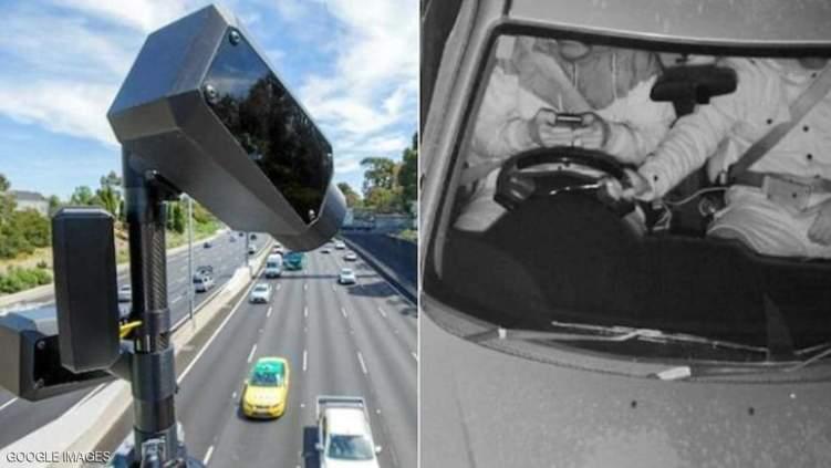 أول كاميرا في العالم لرصد الهاتف أثناء القيادة