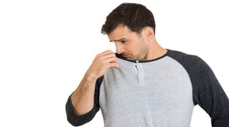 أفكار للتخلص من رائحة الجسم الكريهة