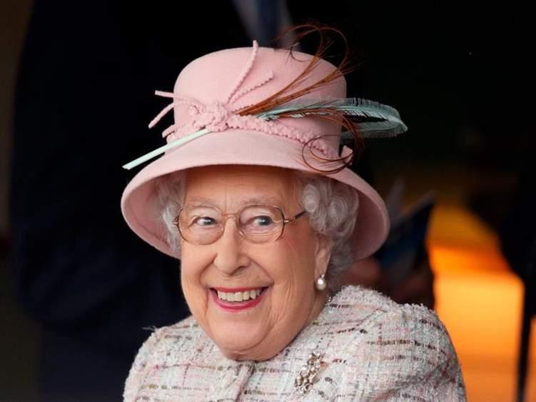 وظيفة شاغرة لدى الملكة إليزابيث.. والراتب خيالي؟!