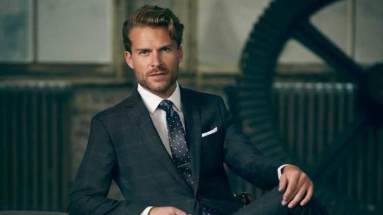 هذا ما يحدث عندما ترتدي ربطة العنق يومياً