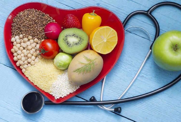 العلاج بالغذاء لا بالدواء.. قائمة الأطعمة المعالجة