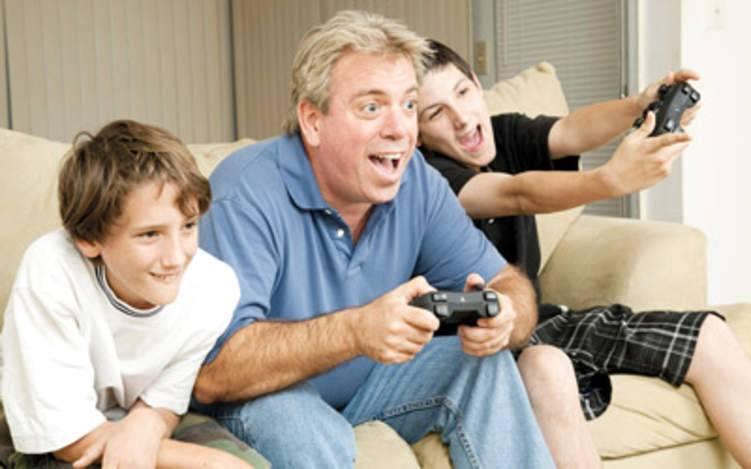 رغم مخاطرها.. 5 فوائد للمشاركة العائلية في ألعاب الفيديو