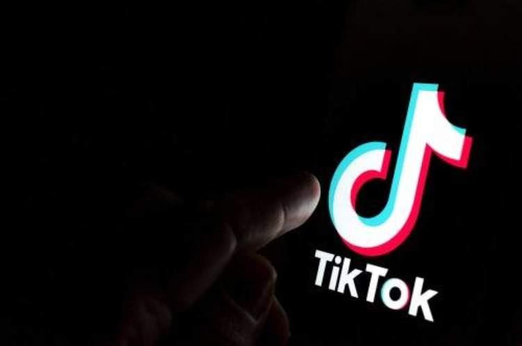 حذف 49 مليون فيديو في التيك توك